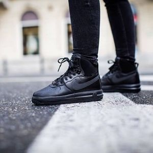 Wmns/Girls LunarForce 1 Sneakerboot  (Size 6.5y=8)